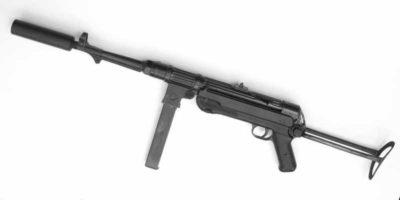Pistolet mitrailleur MP-40 avec un silencieux Vortex